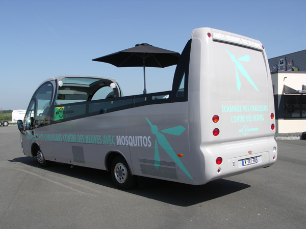 mini bus cabriolet v hicule promotionnel road show. Black Bedroom Furniture Sets. Home Design Ideas