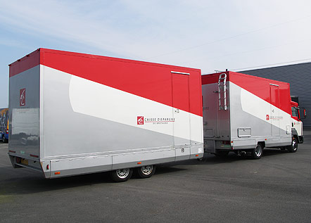 camion r gie avec remorque podium v hicule promotionnel road show. Black Bedroom Furniture Sets. Home Design Ideas